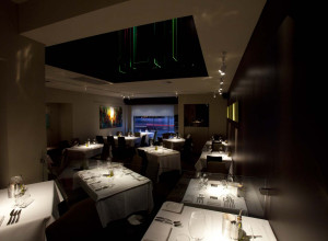 INTIMATE LIGHTING AT JACKSONS RESTAURANT